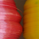 Coloured glasfibreyarn